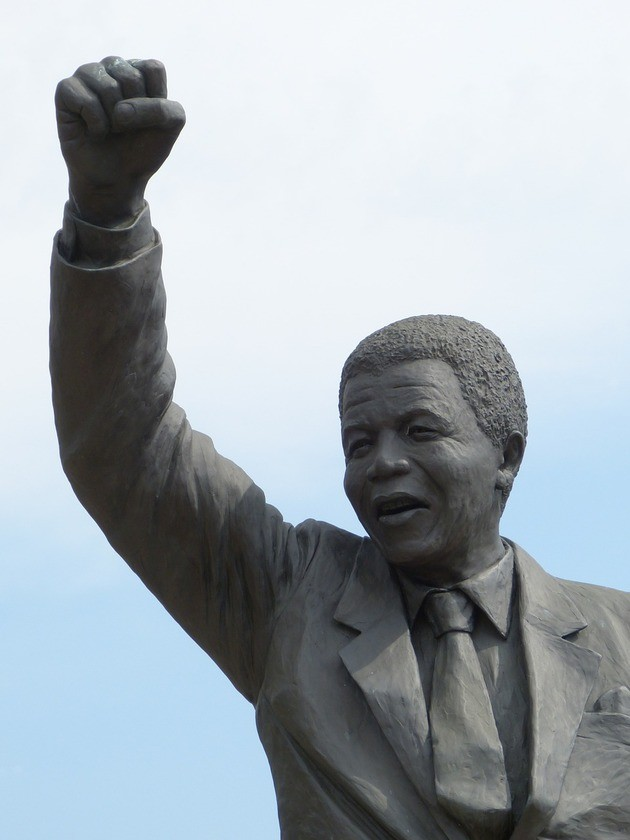 Mandela estatua